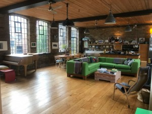 Ref 31450 East London Open Plan Loft Apartment In A Converted Victorian Warehouse With Excellent Light Windows Both Sides Wooden Floors Modern