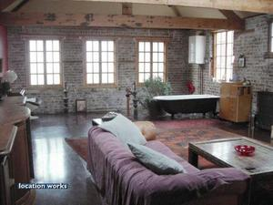Ref 31386 119 Miles 191km From London Warehouse Conversion On Three Floors With Wooden Exposed Beams And Roll Top Bath Bristol